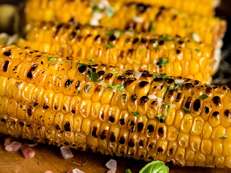 Maïs grillés à la plancha cuisinés avec Cooxy